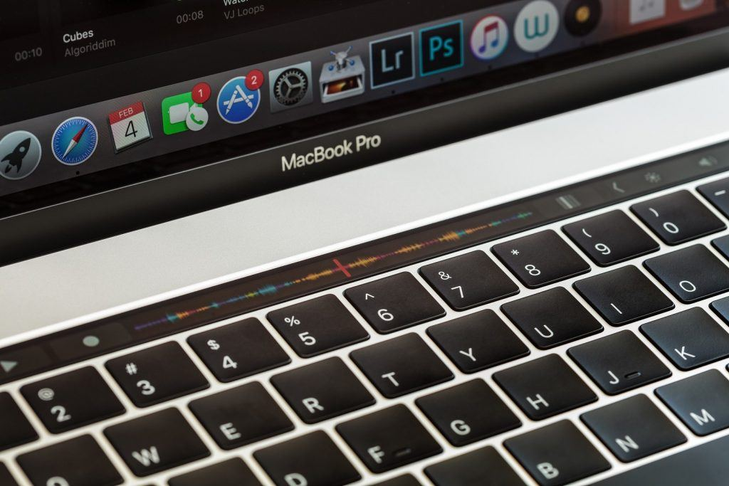 Apple to Finally Replace Faulty MacBook Keyboard for Free | Limely