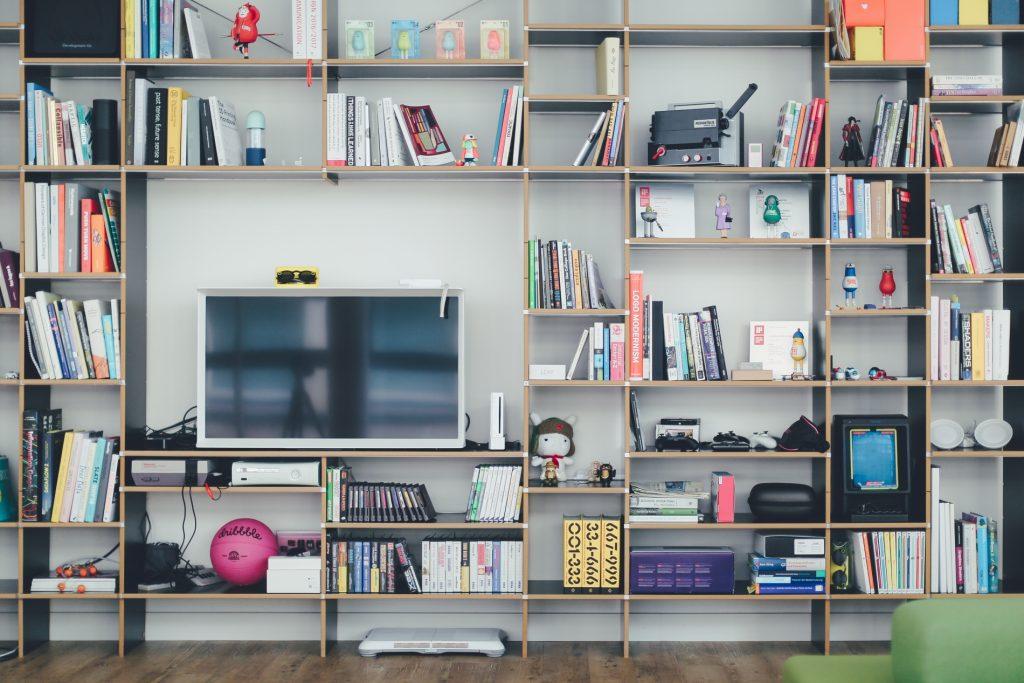 Comparing Smart TV Devices: Chromecast, Firestick, Apple TV | Limely